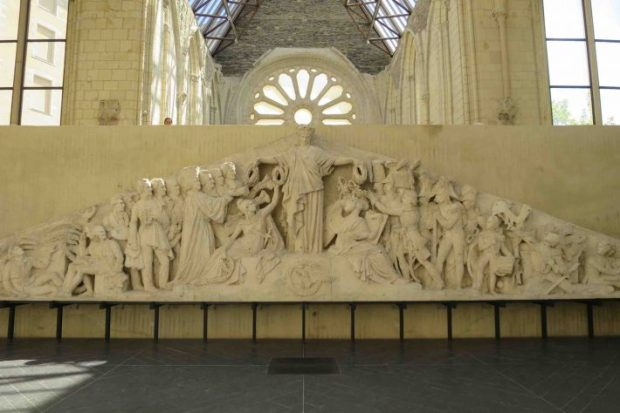 Fronton_Pantheon_David_Angers_platre-710x474